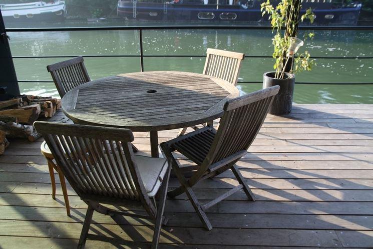 tavolo per terrazzo