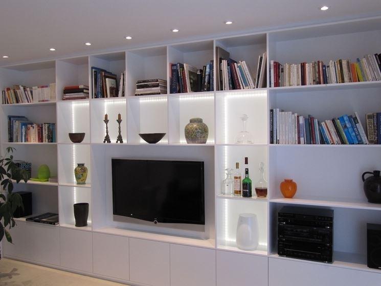 Pareti attrezzate soggiorno arredare casa arredamento - Arredare pareti soggiorno ...