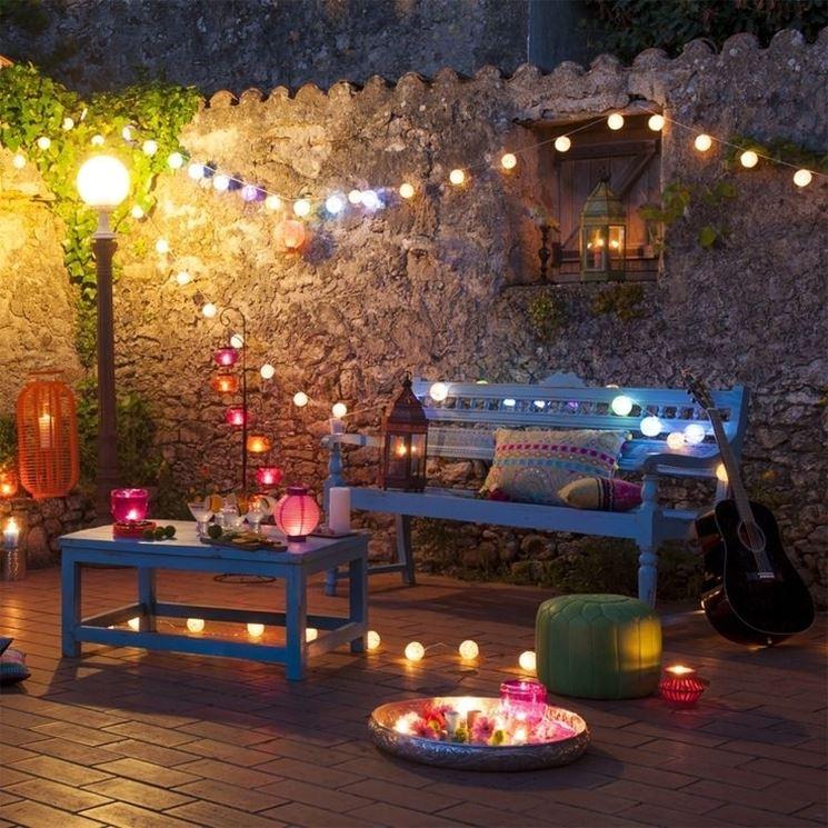 Meravigliosa terrazza con lanterne