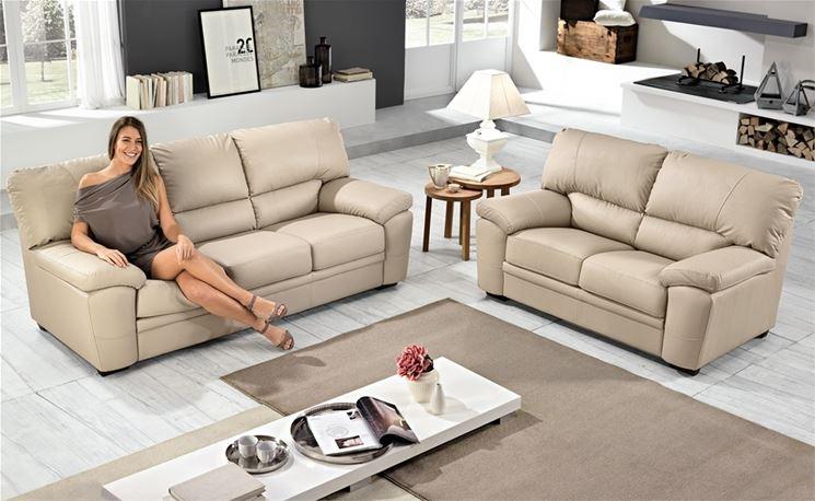 Modelli di divani a 3 e a 2 posti