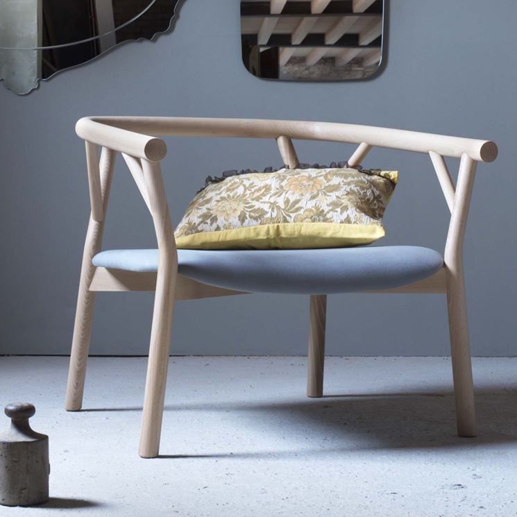 Poltrona in legno moderna