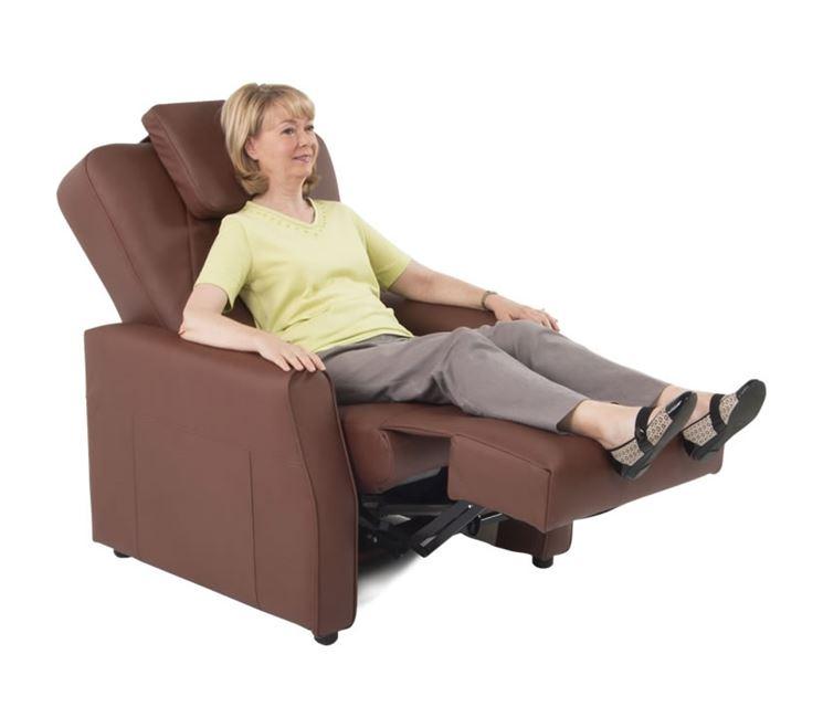 Una poltrona reclinabile motorizzata