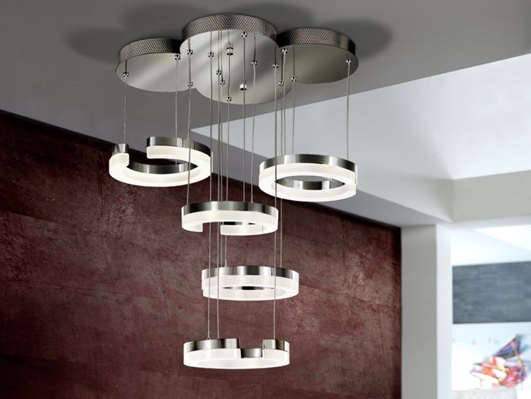 Esempio di lampadario moderno