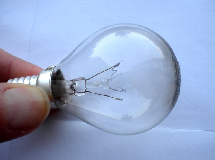 Una lampadina a incandescenza bruciata