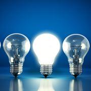 Le vecchie lampadine a incandescenza