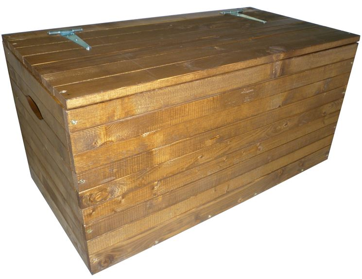 Costruire una cassapanca in legno.