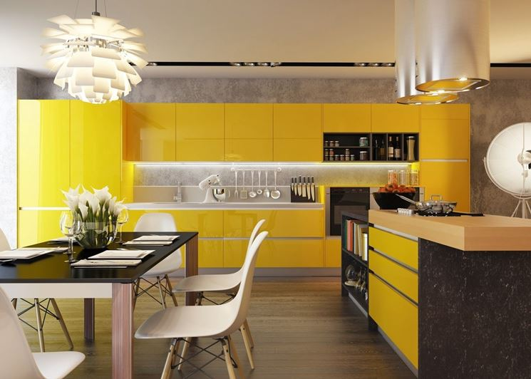 Allegra cucina gialla