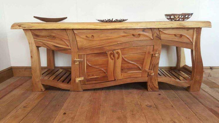 Originale mobile in legno