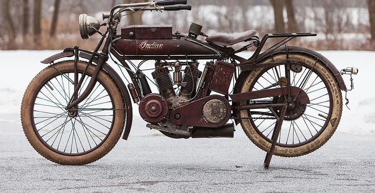 moto d'epoca da restaurare