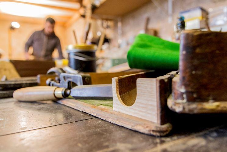 attrezzi bottega di restauro