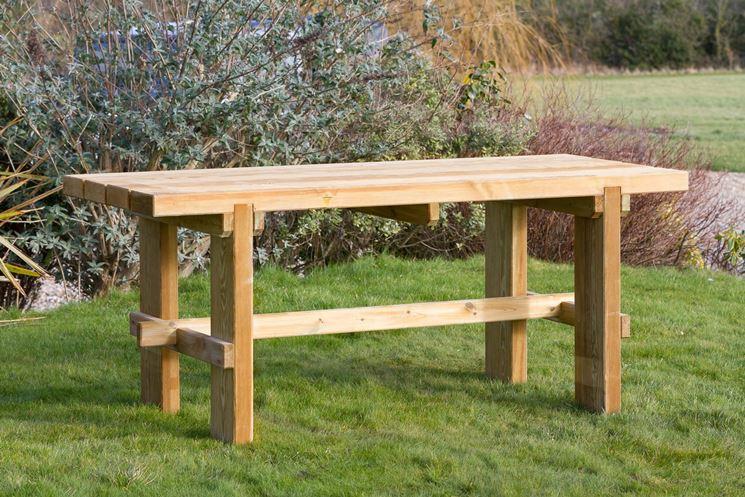 Tavolo per esterno in legno