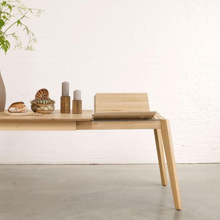 Tavolo moderno in legno allungabile