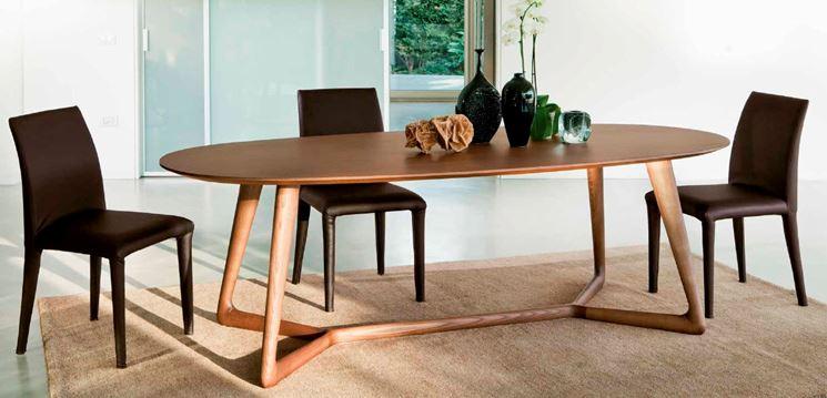Tavoli ovali moderni tavolo da pranzo ovale modello for Tavoli moderni ovali