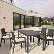 Tavolo in resina moderno