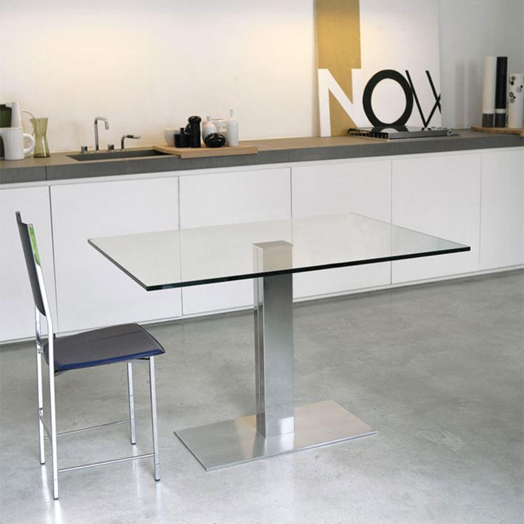 Tavolo in vetro moderno