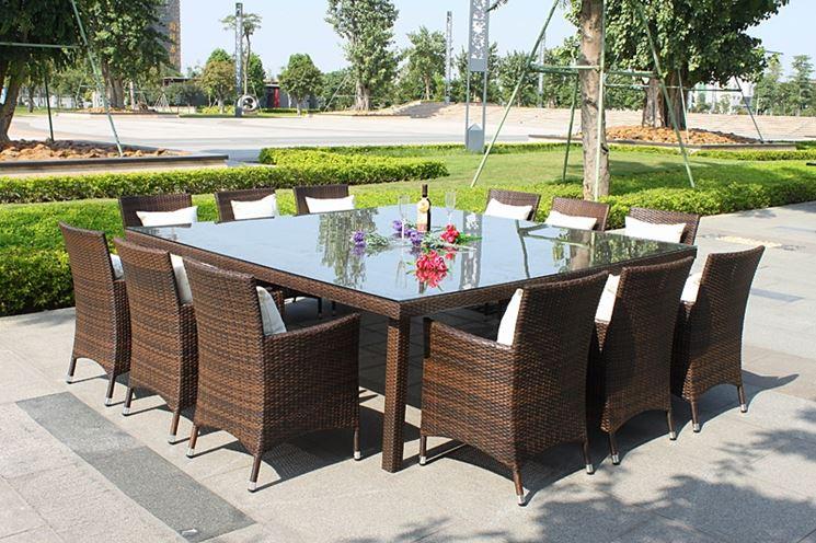 Tavolo da giardino in rattan