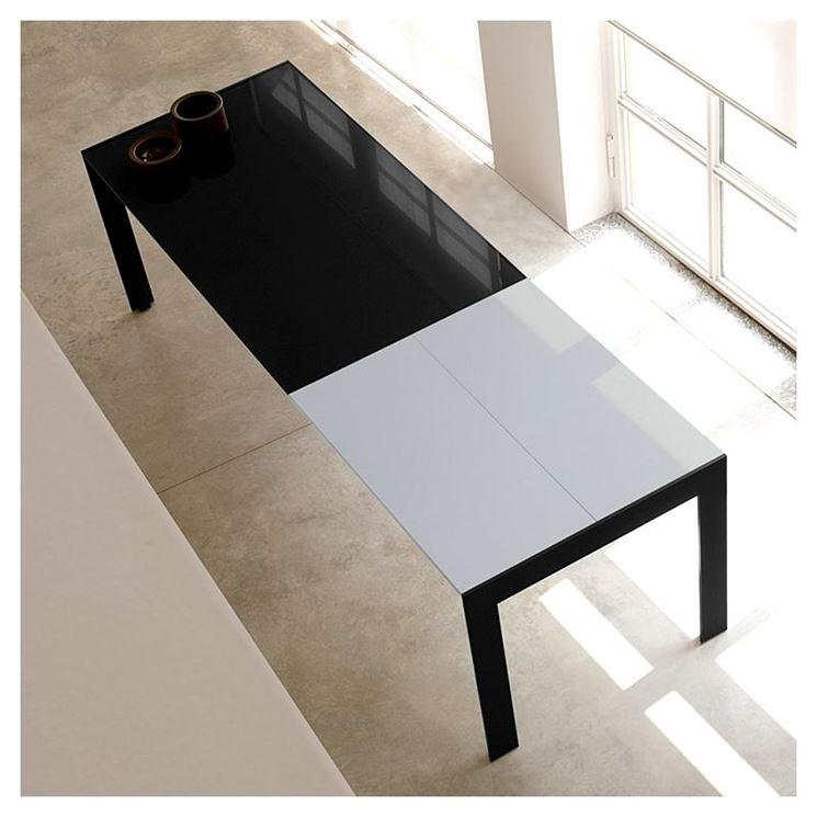 Tavolo estensibile di design