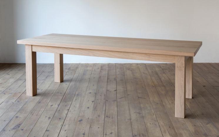 Tavolo per interni in legno grezzo