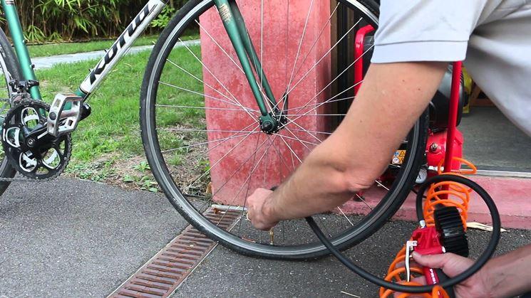 Gonfiaggio bicicletta con compressore