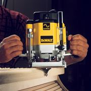 Fresatrice verticale DeWalt