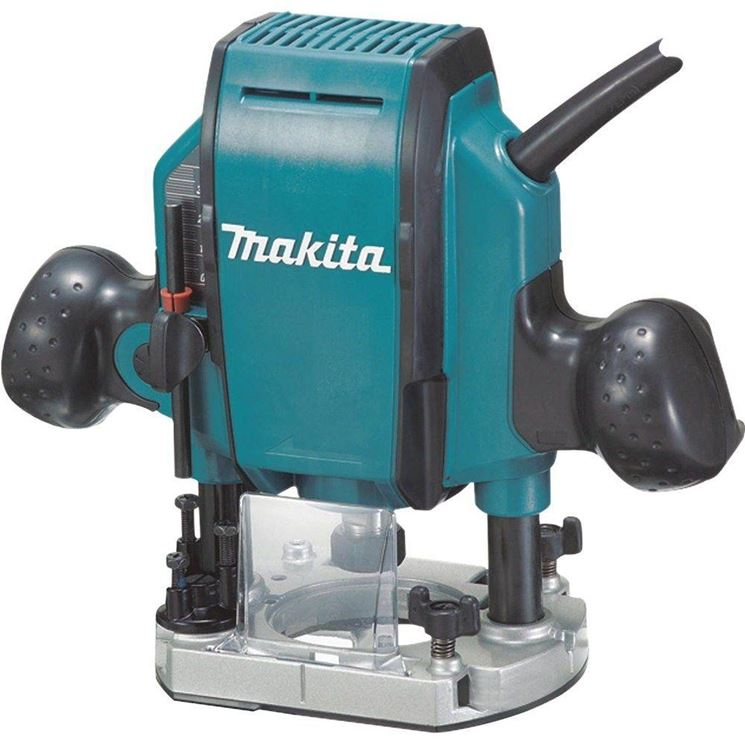 Fresatrice verticale Makita