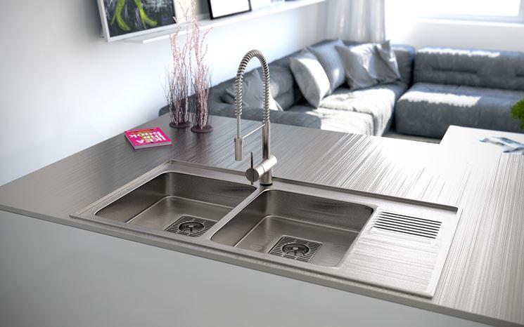 Lavello in acciaio moderno