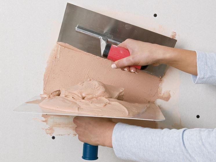 Stuccare parete