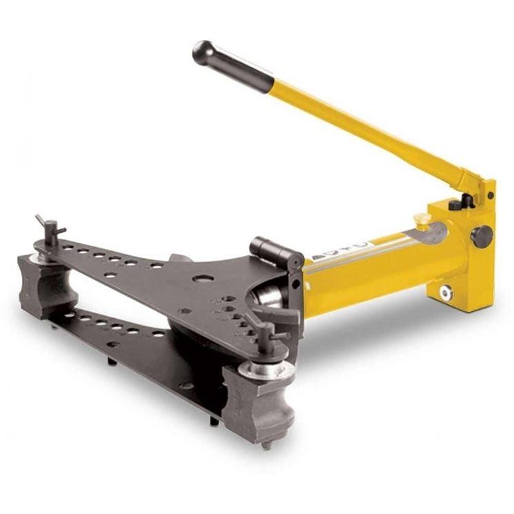Piegatubi idraulico manuale
