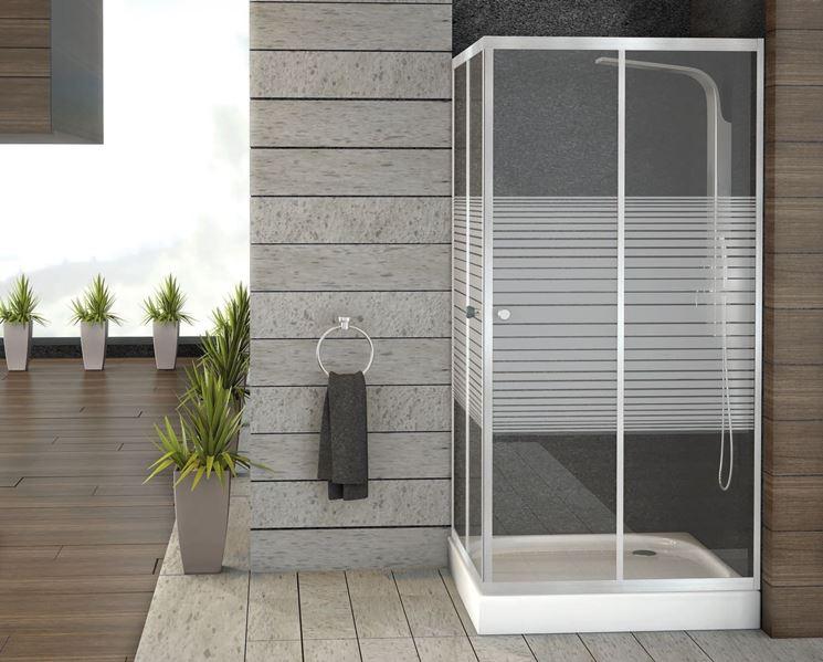Bagno con box doccia multifunzione