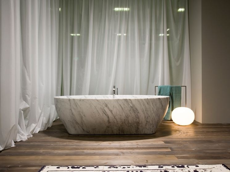 Vasca da bagno in marmo Solidea