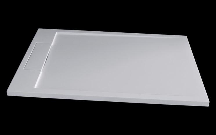 Bagno con piatto doccia ceramica rettangolare