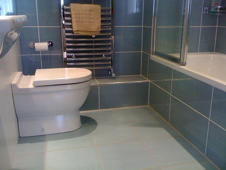 Quanto costa ristrutturare un bagno arredo bagno - Ristrutturare un bagno ...