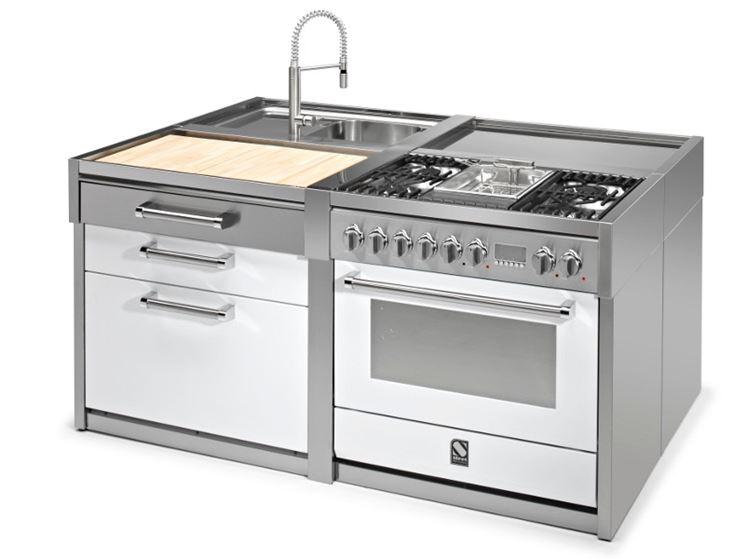 Cucina monoblocco in acciaio
