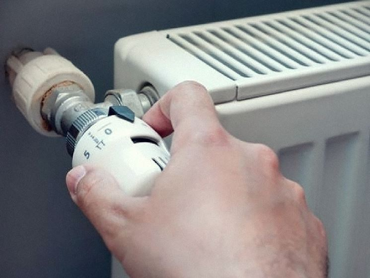 Regolare riscaldamento a radiatori