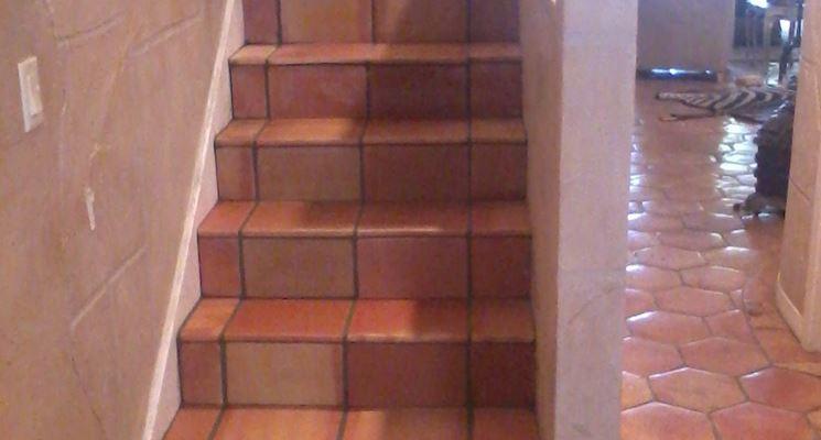 Realizzazione pavimento e scala in cotto