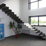 Esempio di scala in acciaio composta