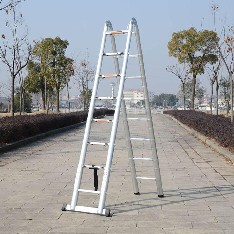 esempio di scala in alluminio allungabile
