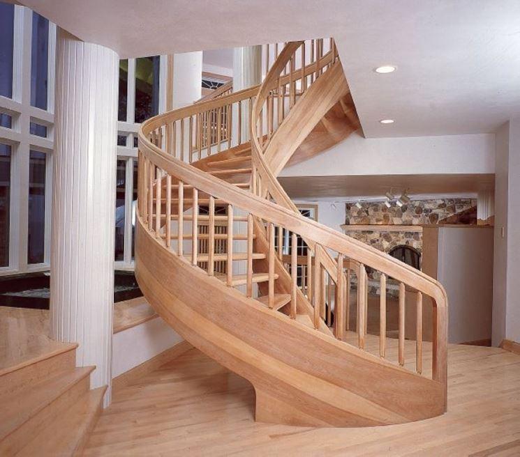 Scala in legno ellittica