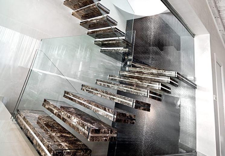 Scale in marmo per interni