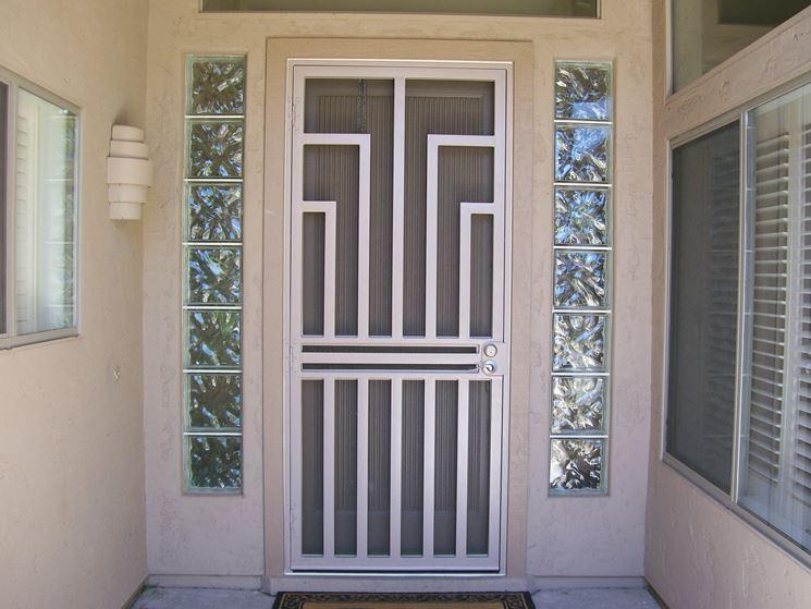 Esempio di porte di sicurezza