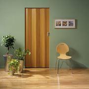 Porta a soffietto color legno