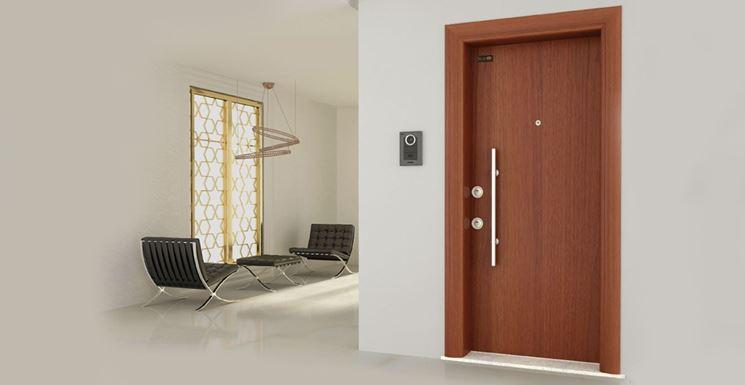Esempio di cerniera per porte