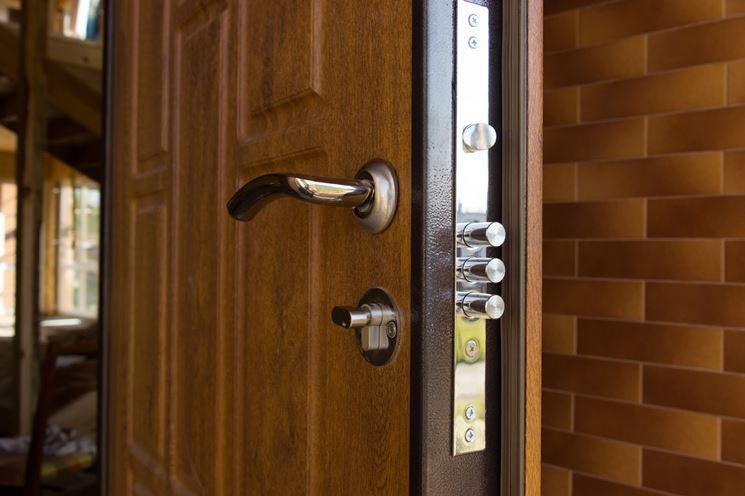 https://www.casapratica.org/casa/serrature-di-sicurezza/porte-blindate-prezzi_NG1.jpg