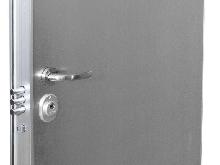 Porte blindate prezzi serrature di sicurezza prezzo porta for Puerta trastero seguridad