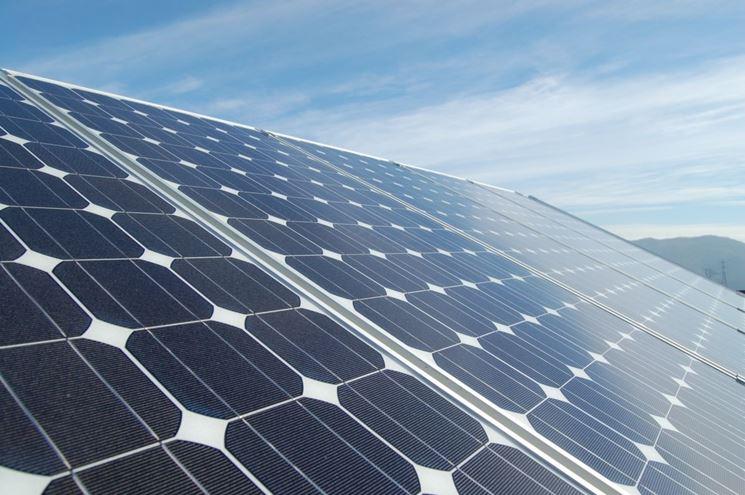 Pannelli fotovoltaici collegati ai climatizzatori