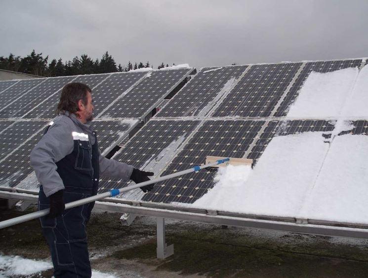 Neve su pannelli fotovoltaici