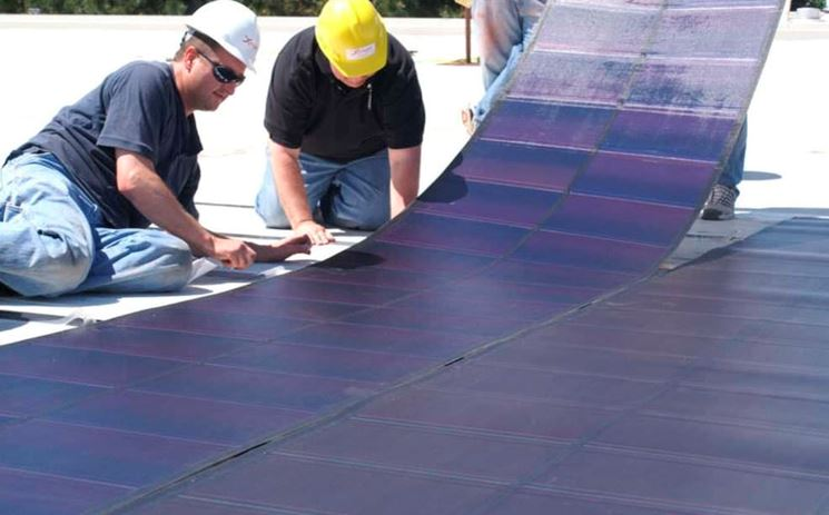 Applicazione di pellicola fotovoltaica