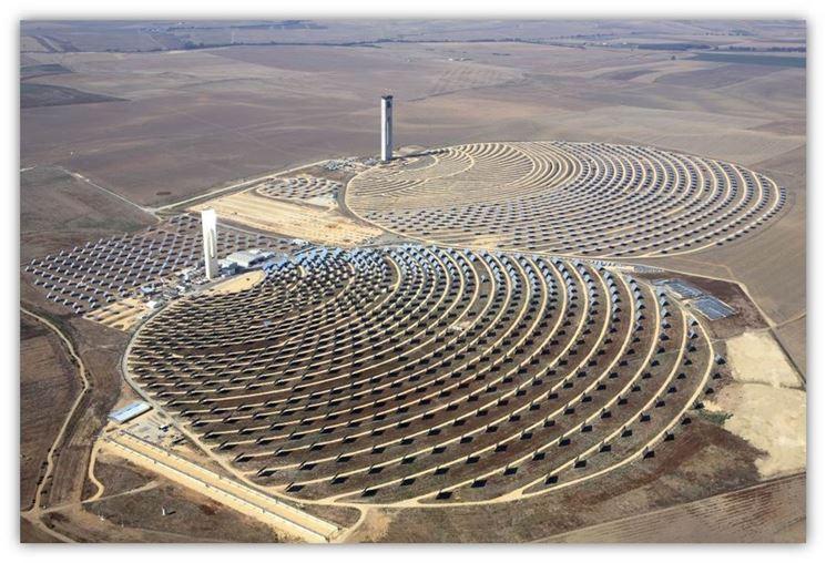 Centrale solare nel deserto