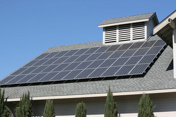 Tipico impianto fotovoltaico montato correttamente.