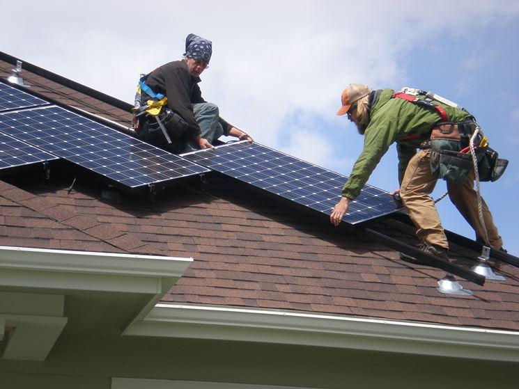Fissaggio pannelli fotovoltaici su tetto inclinato